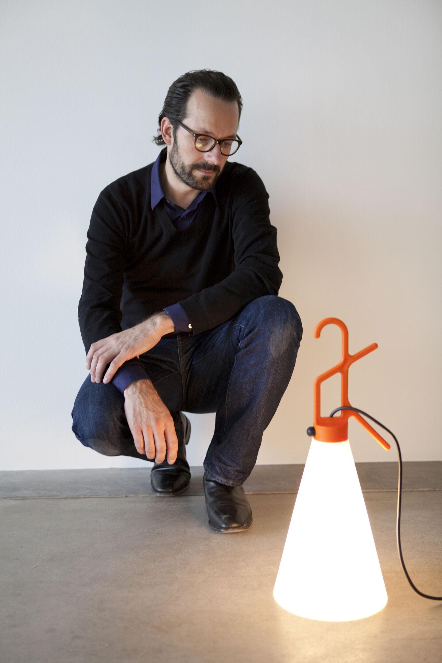 designers-konstantin-grcic-flos-03