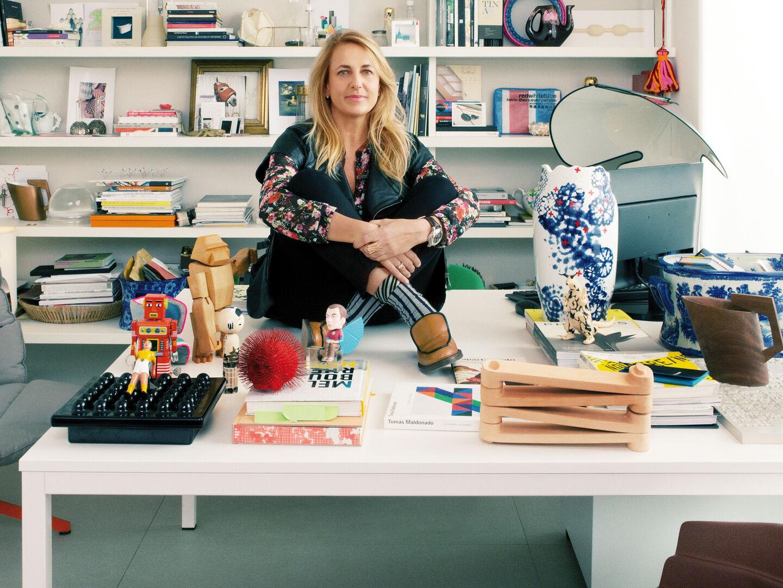 designers-patricia-urquiola-flos-entrance-desk