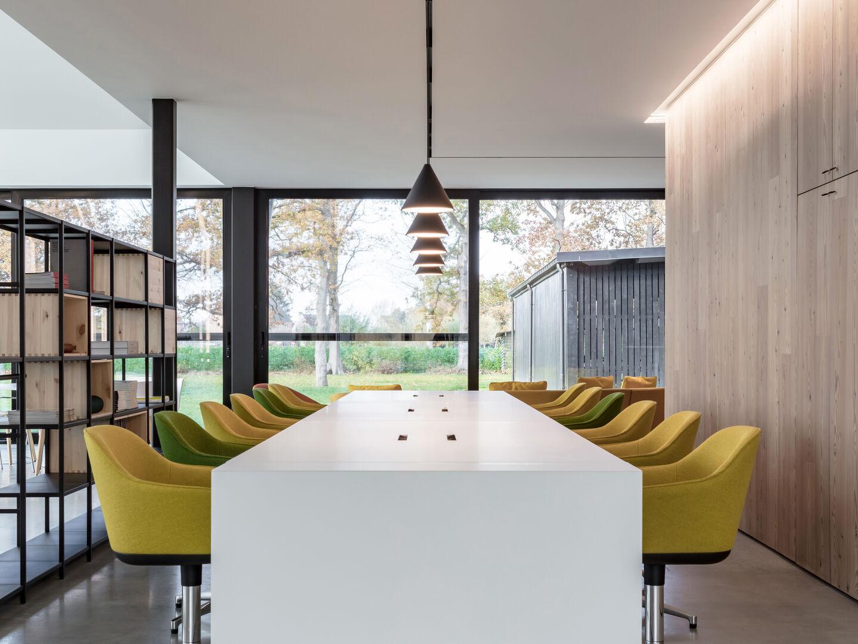 rooms-workspace-flos-entrance-desk-03